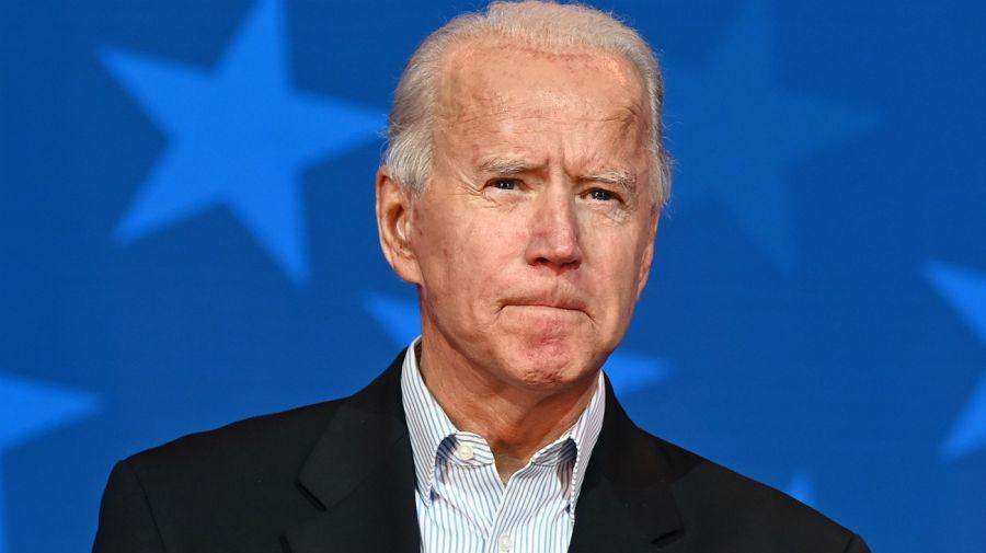 Labios apretados. Joe Biden aún no alcanza los 270 electores en el conteo oficial.