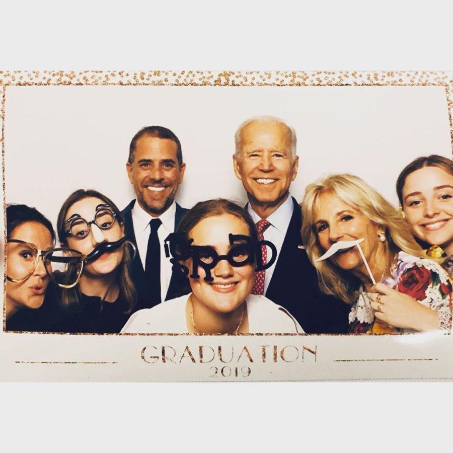 Naomi Biden junto a sus primos y primas y Joe Biden