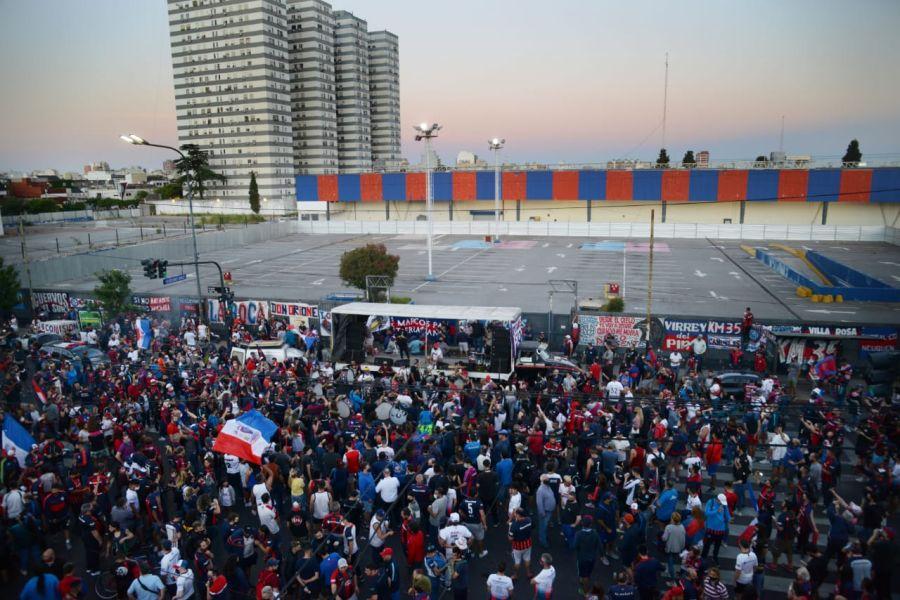Vuelta a Boedo caravana por Ley de Rezonificación