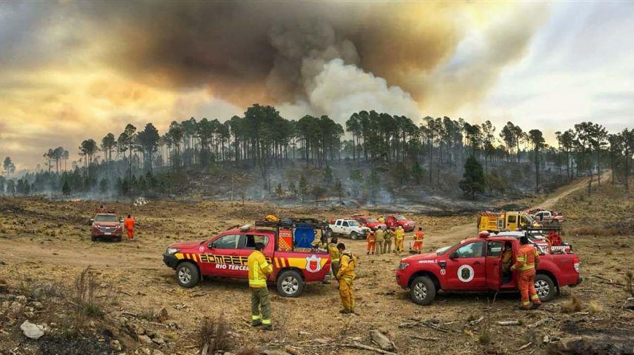 Combate del fuego y los incendios 20201113