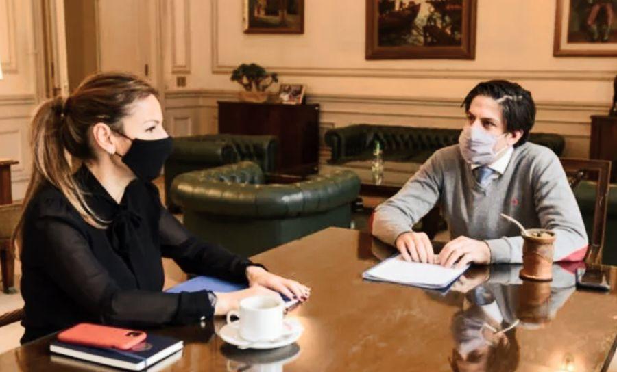 Soledad Acuña junto a Nicolás Trotta, ministros de Educación de Ciudad y Nación.
