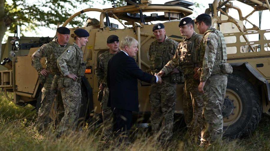 El primer ministro de Reino Unido anunció el programa de defensa 20201119