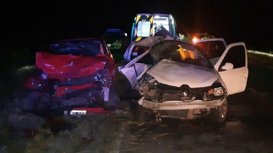 El Clio en el que vijaban las amigas platenses y el VW Fox, los vehiculos de la tragedia de la ruta 56.