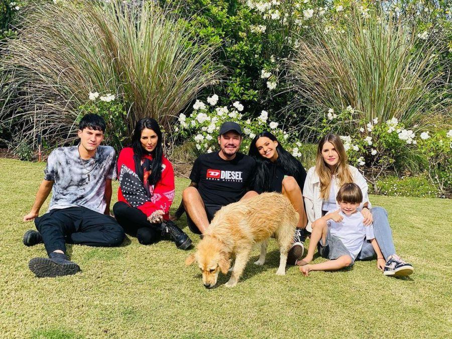 Juanita Tinelli celebró su cumpleaños número 18 con su familia ensamblada