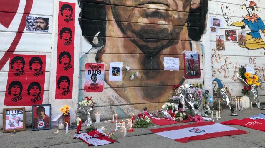 Maradona: el altar en la cancha de Argentinos
