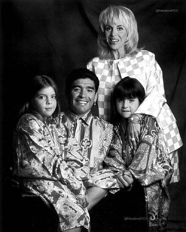 Diego Maradona, Gianina, Dalma y Claudia