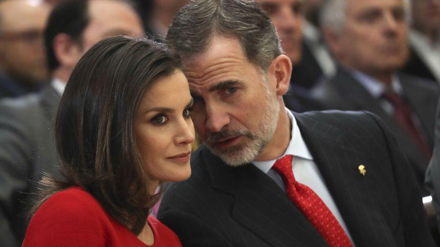 ¡Letizia Ortiz preocupada! El Rey Felipe con posible Covid-19
