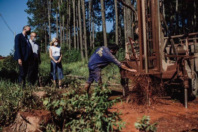Fabiola Yáñez impulsó las obras de agua potable en Misiones