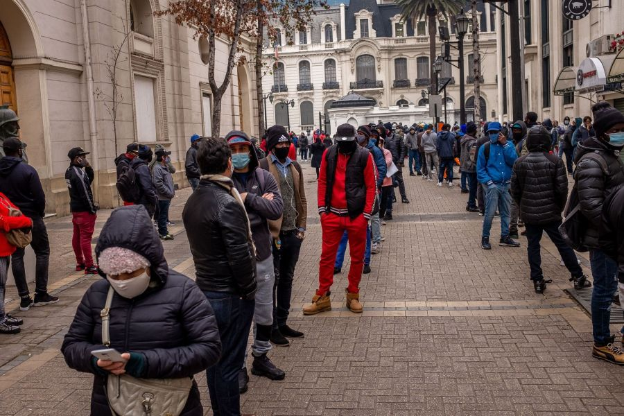 Chileans Swamp Pension Offices As Strict Coronavirus Lockdown Continues