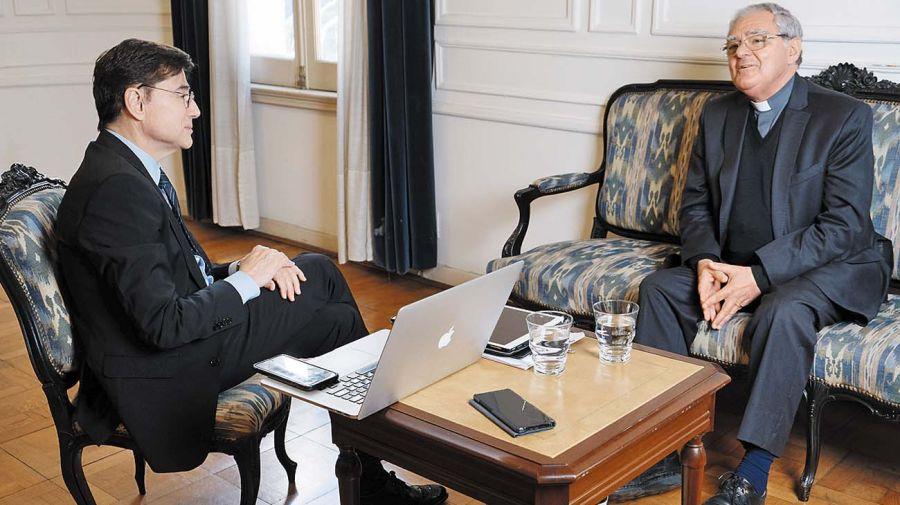 Monseñor Oscar Ojea, en la entrevista con jorge Fontevecchia.
