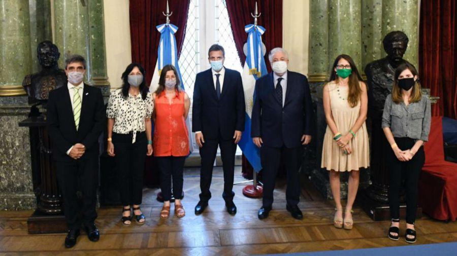 Massa y funcionarios del Gabinete nacional.