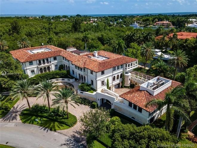 La casa de Marc Anthony by Miami MLS