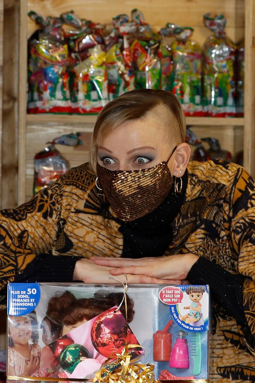 Charlene de Mónaco sorprendió con su cambio de look estilo punk