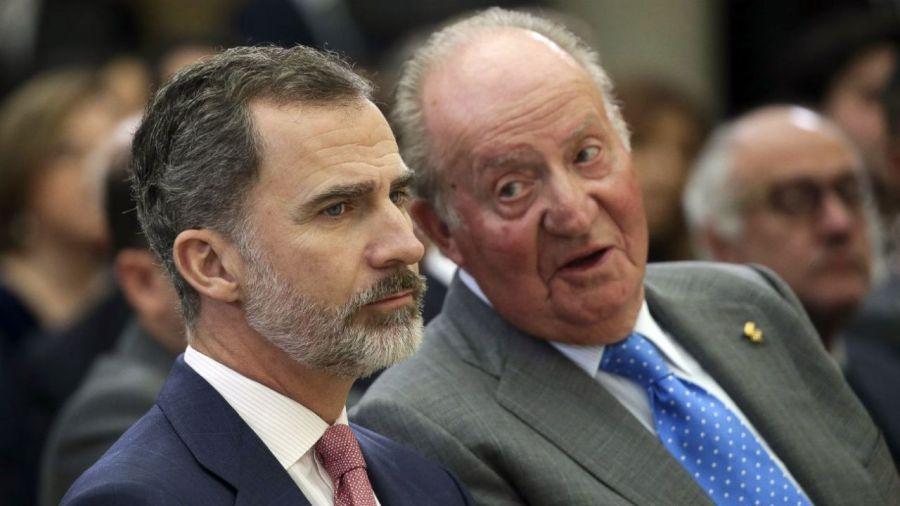 Felipe y Juan Carlos distanciados