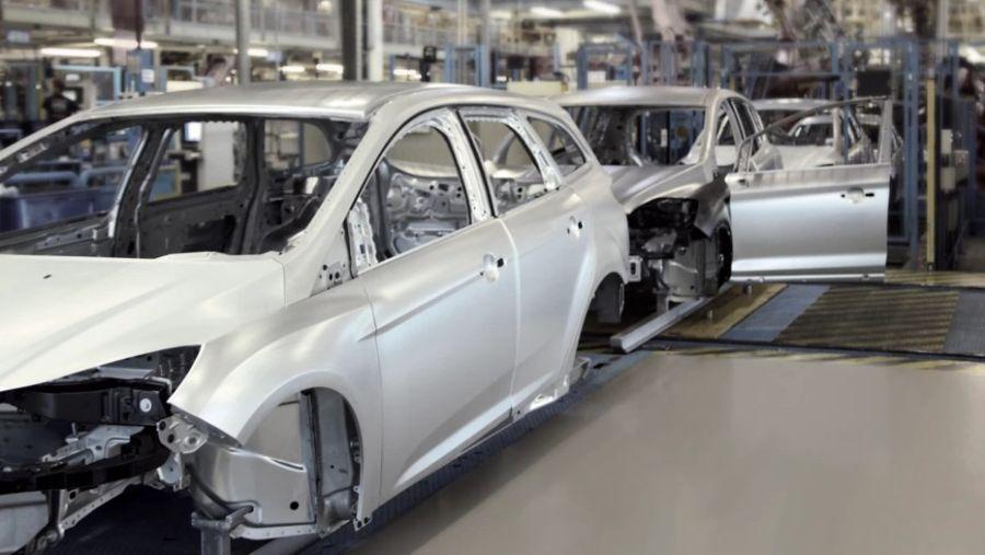 """""""Los adhesivos pueden reducir el peso de un auto hasta en un 15 por ciento"""""""