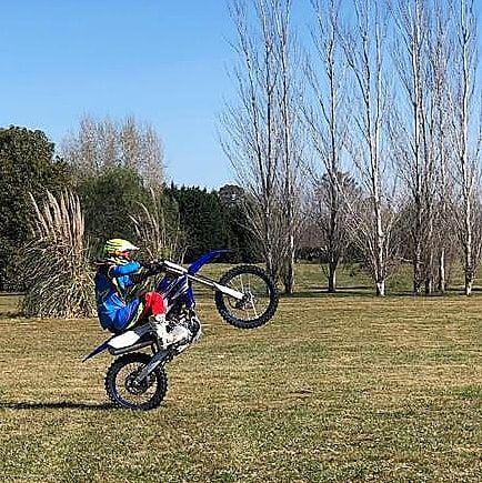 Nacho Viale en su moto