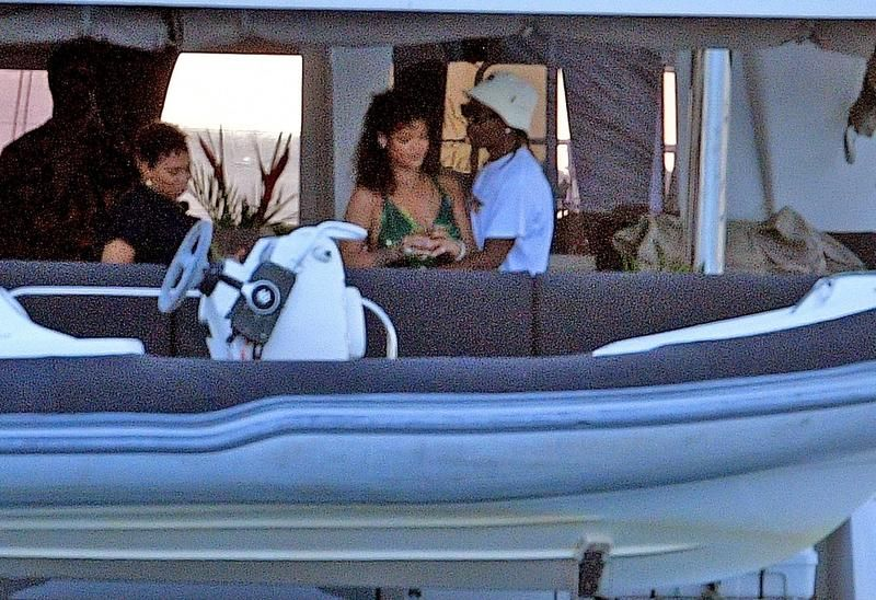 Rihanna recibió el año con su nuevo novio, A$AP Rocky, en Barbados