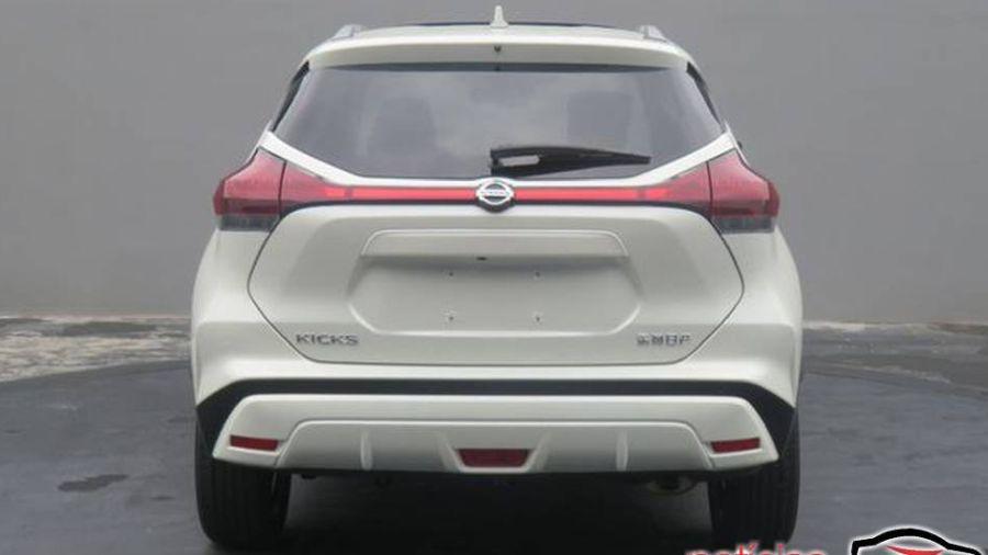 Nissan Kicks chino