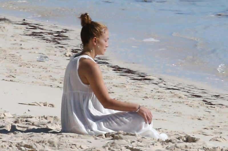 ¡Sin photoshop! Las fotos de Jennifer López en la playa de las que todos hablan