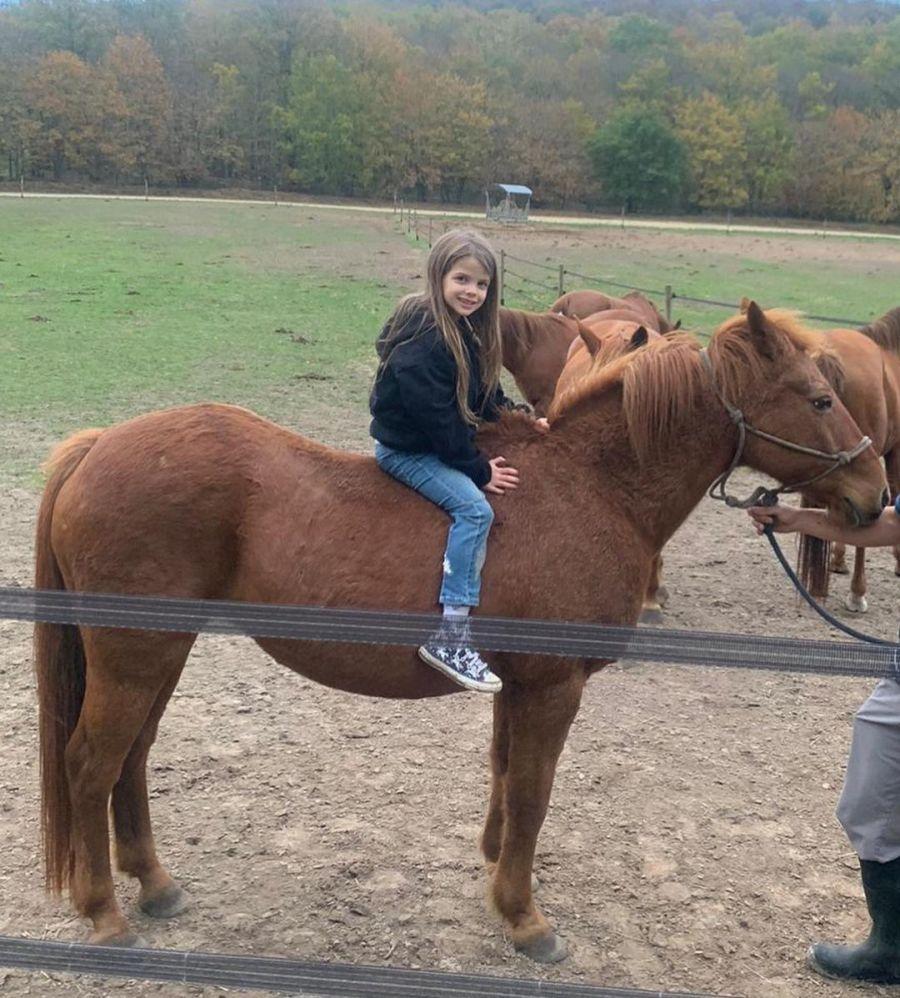 Mauro Icardi celebró los 6 años de Francesca llevándola a cabalgar