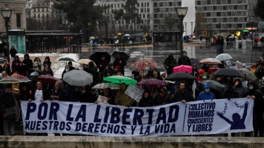 madrid españa protesta restricciones covid g_20210123