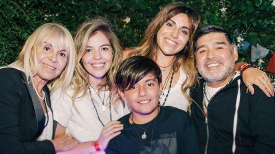 Claudia Villafañe, Dalma, Gianinna y Diego Maradona