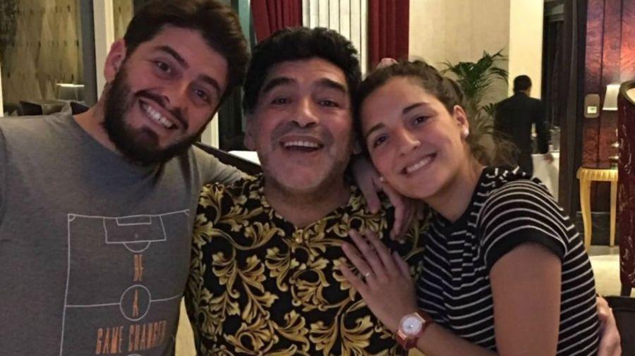 Diego Junior, Diego Maradona y Jana Maradona