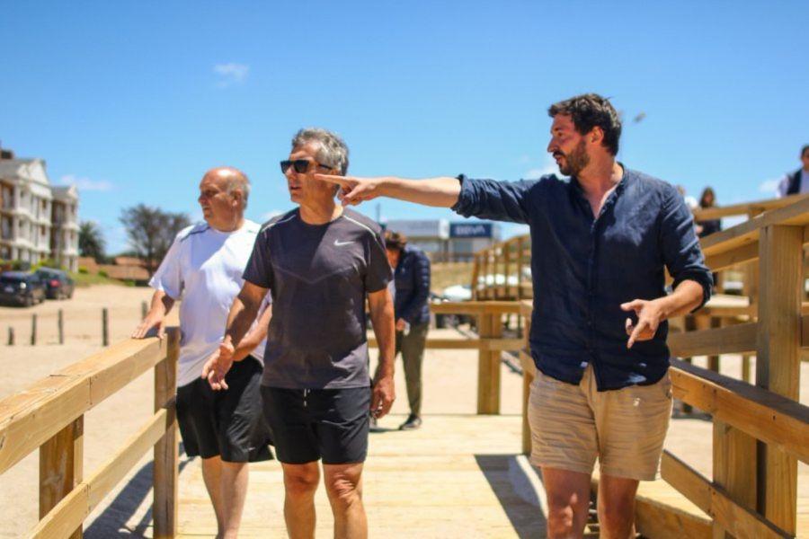 Mauricio Macri junto a Hernán Lombardi en su visita al intendente Martín Yeza de Pinamar.