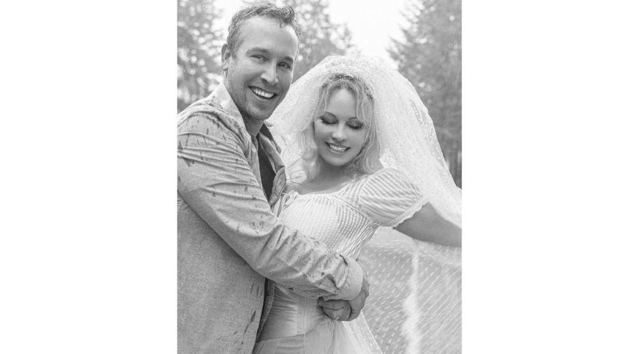 Pamela Anderson y Dan Hayhurst