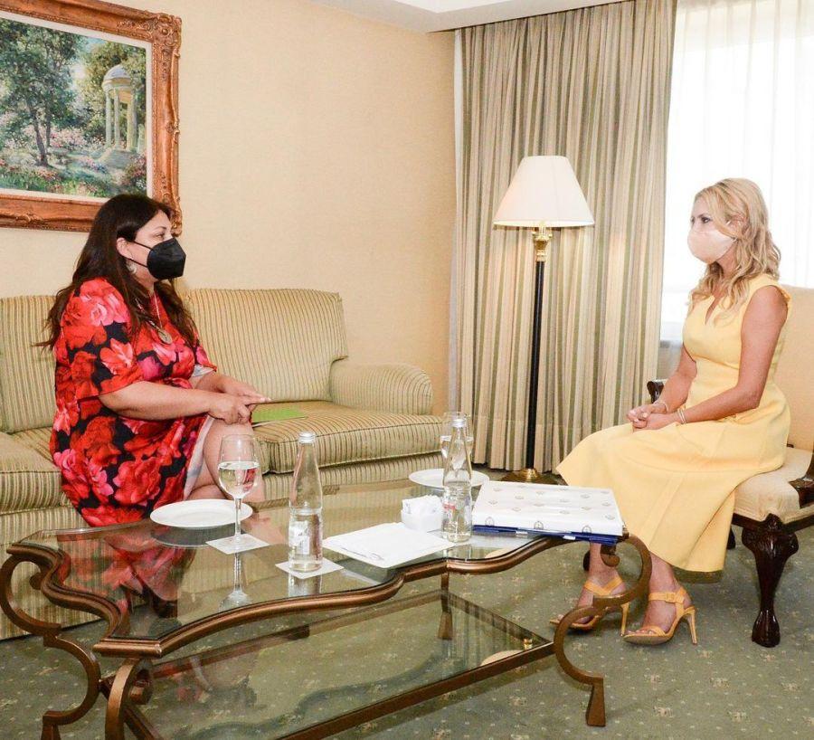 Cynthia Martos y Andrián Brown los elegidos de Fabiola Yáñez para visitar Chile