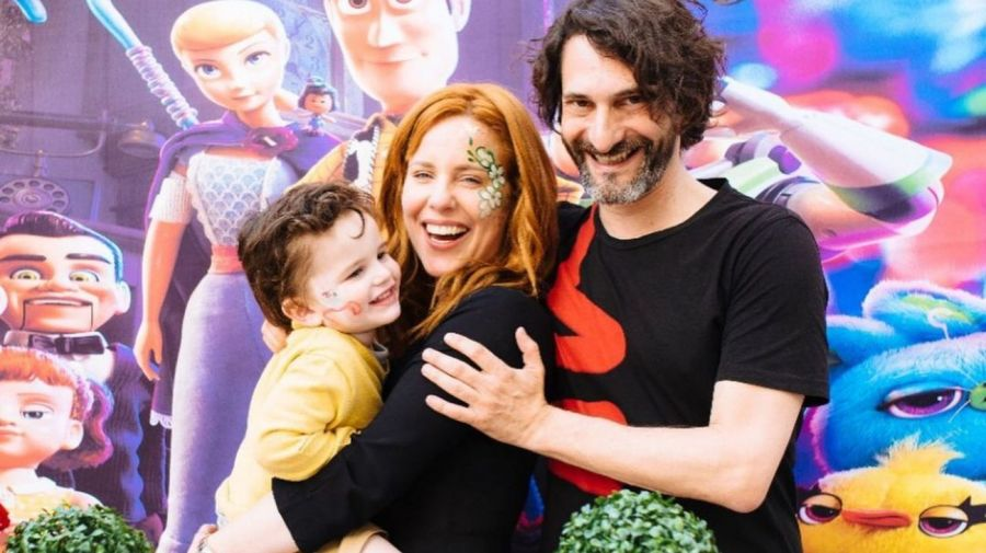 Agustina Kampfer, Carlos Gianella y Juan