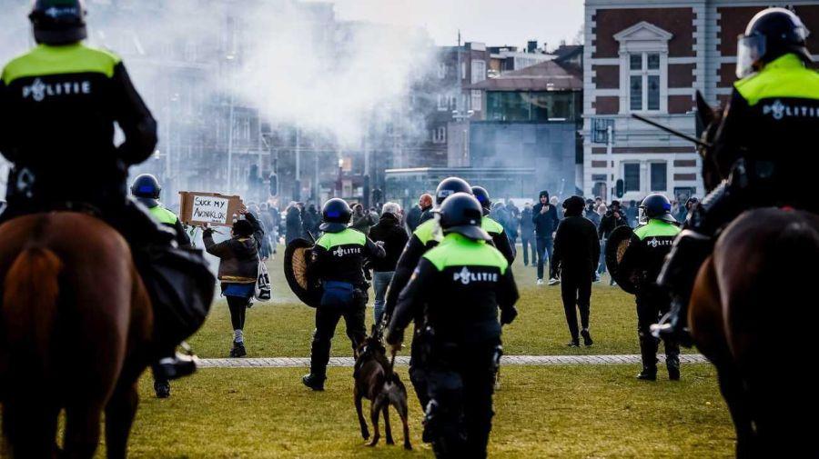 Reyes Holanda disturbios 20210202