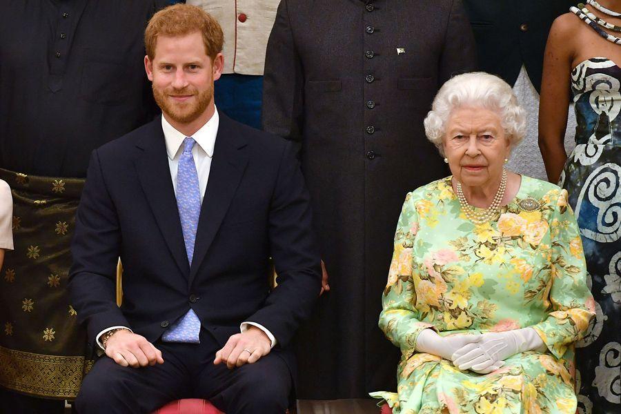 Guerra real: La Reina Isabel podría quitarle títulos militares a Harry