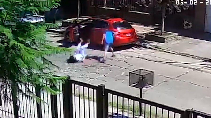El ataque de delincuentes a la madre de la diputada María Eugenia Brizzi, en El Palomar.
