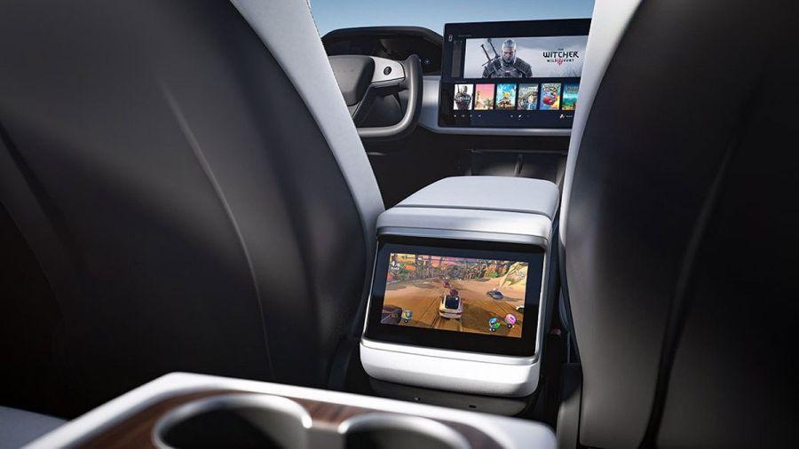 Cómo es el volante aeronáutico de Tesla