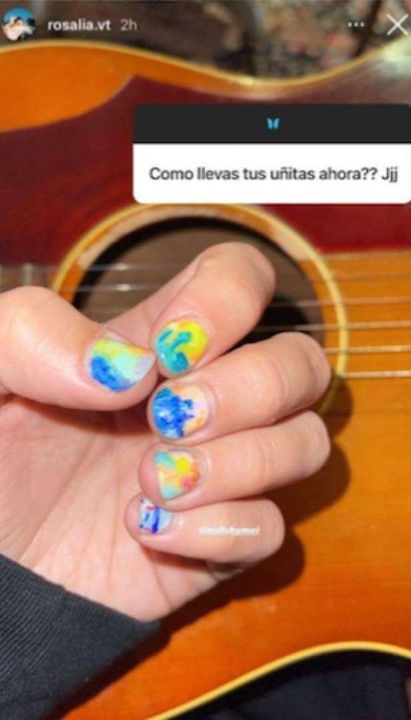 Rosalía presume la nueva tendencia en uñas para la temporada