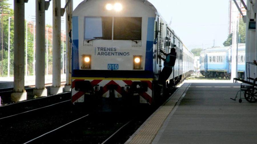 0210_trenesmar del plata