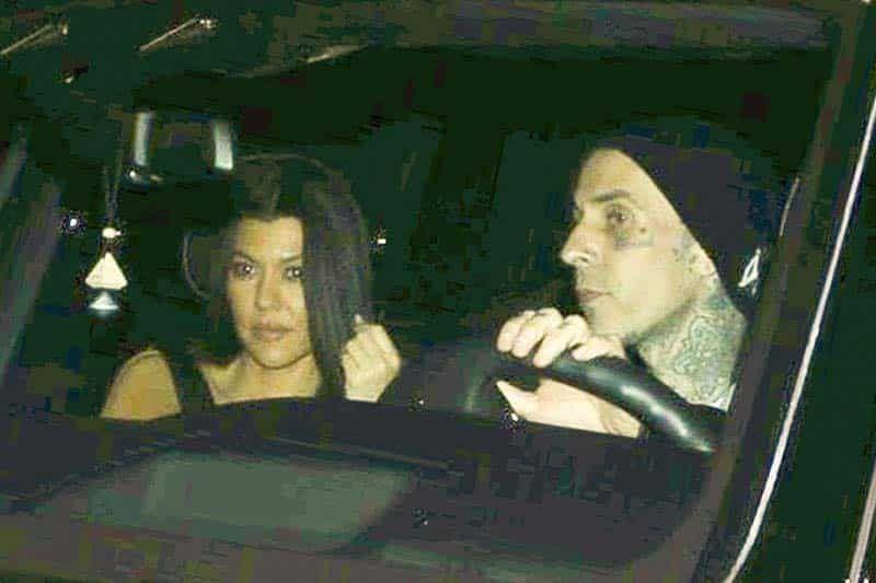 Kourtney Kardashian y Travis Barker hacen oficial su romance