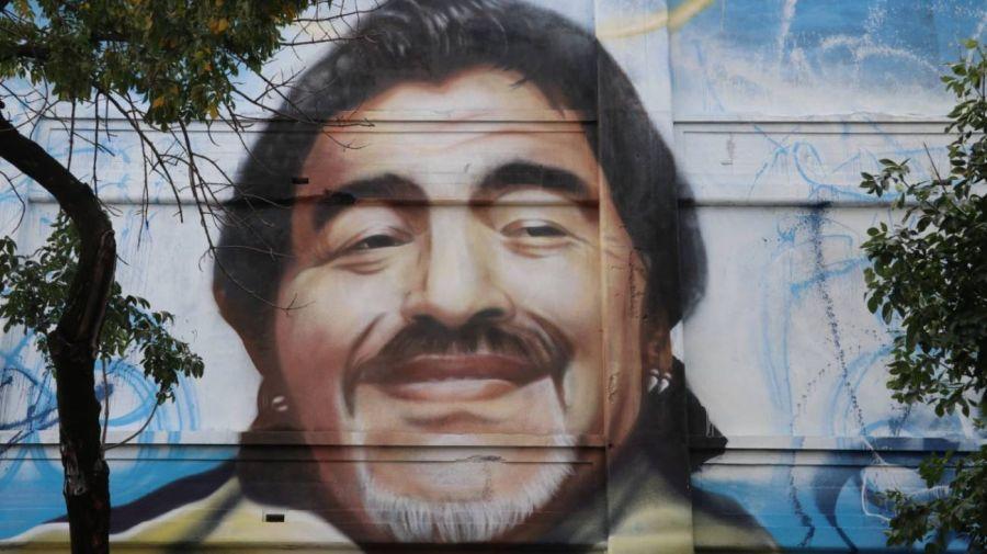 Inauguran mural de Maradona en La Boca