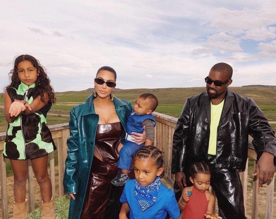 Kanye y Kim con sus hijos