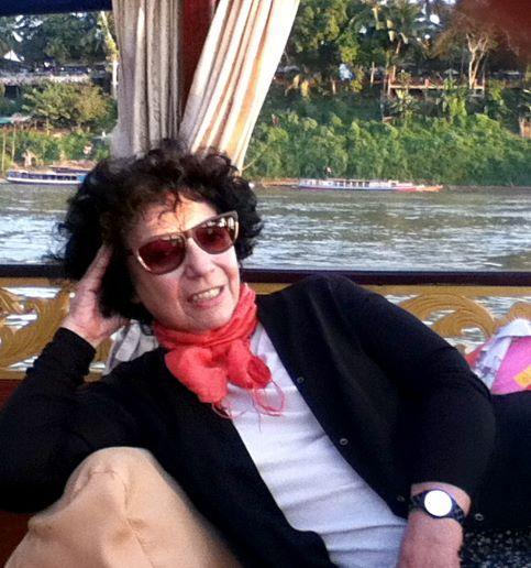 Luisa navegando el Mekong