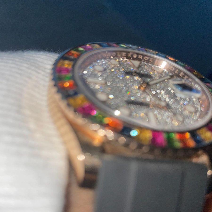 Mirá el millonario reloj de Maluma con diamantes de todos los colores