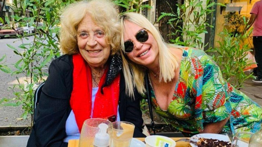 Raquel Mancini y su mamá