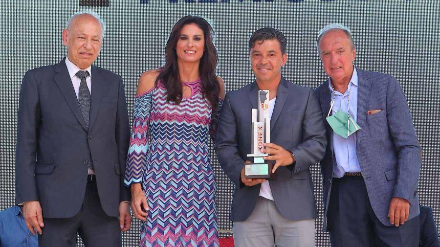 Gallardo recibió el Konex de Platino