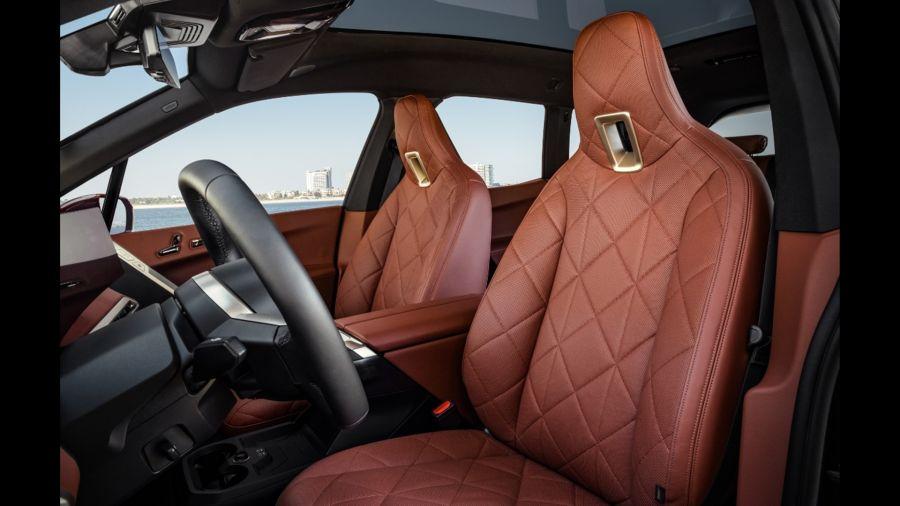 BMW iX: así son las primeras versiones del nuevo SUV eléctrico