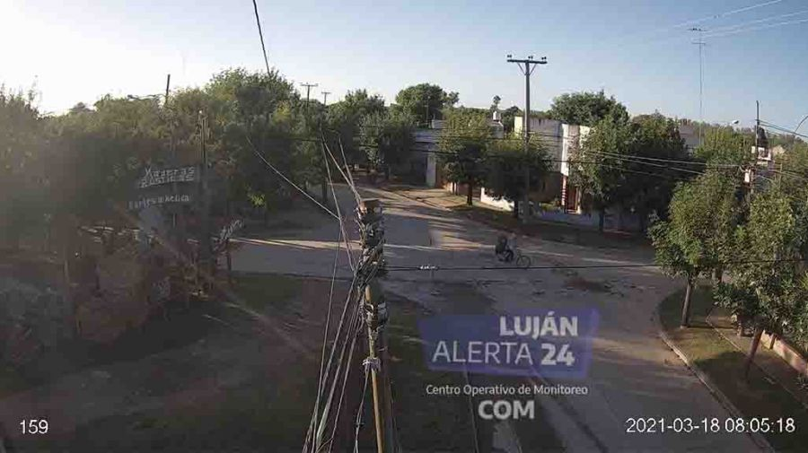 maia cartón bicicleta de Carlos Savanz (o Sierra) secuestrada por la policía