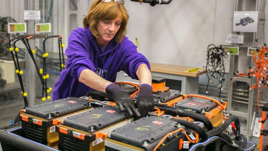 GM dejará de fabricar motores a combustión desde 2035