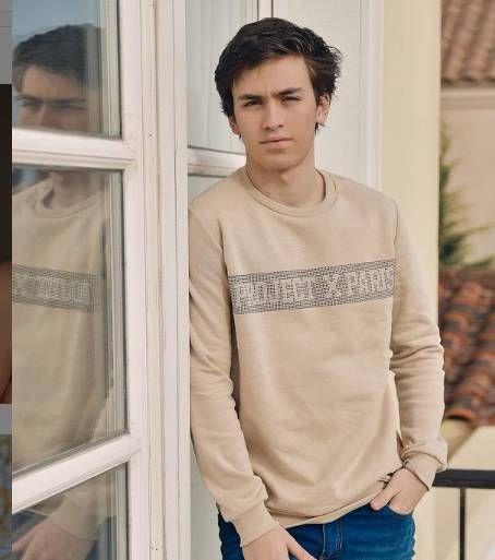 Toto Otero, el hijo mayor de Flor Peña, sorprendió como modelo