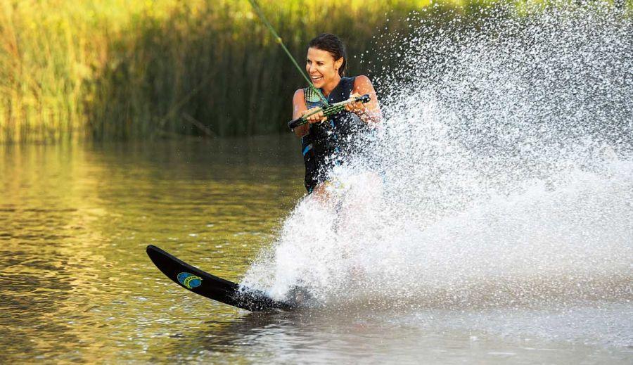 KAREN REICHARDT Y SU lifestyle: ski acuatico