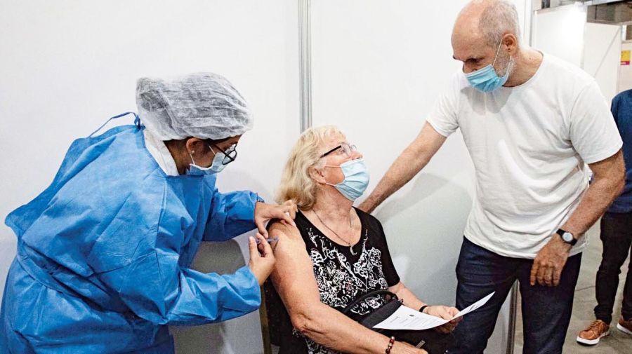 20210403_larreta_vacunacion_telam_g